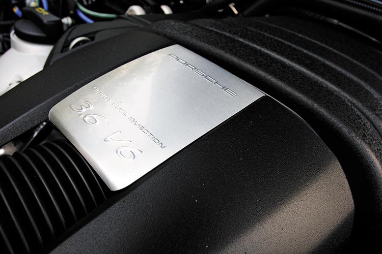 porsche panamera 4 engine