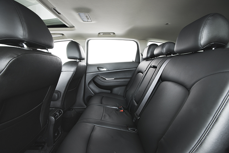 chevrolet orlando second row