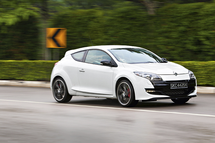 renault megane rs monaco gp front tracking