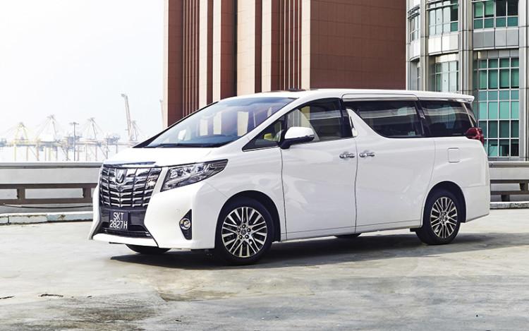 Toyota-Alphard_1