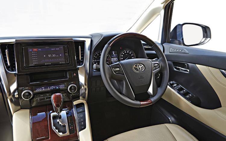 Toyota-Alphard_2