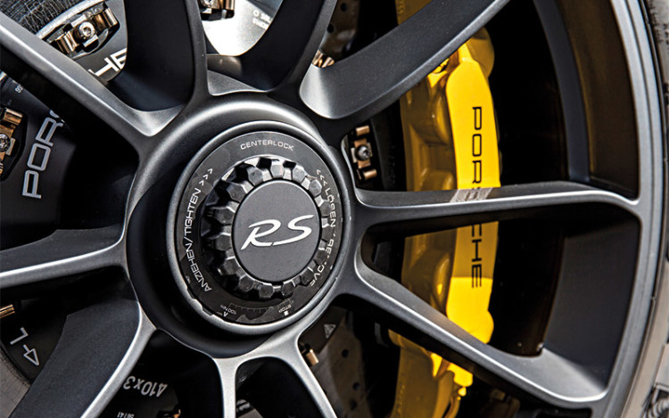911-GT3-RS_brakes