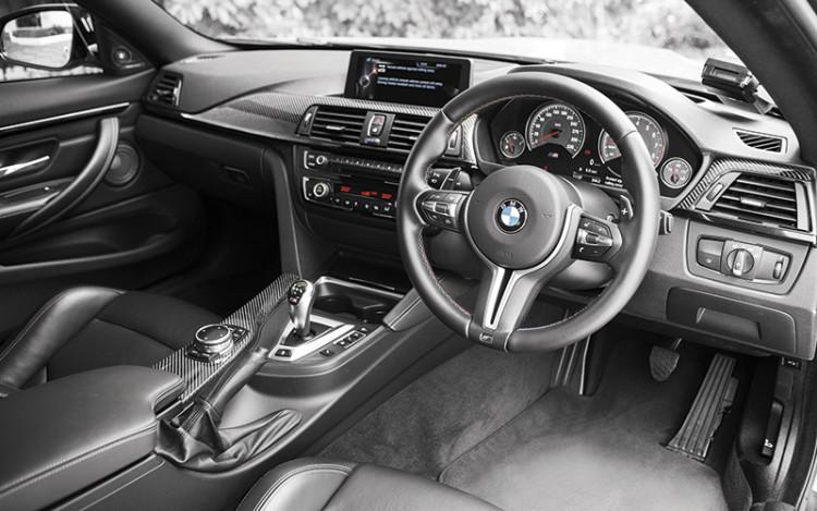BMW-M4-cockpit