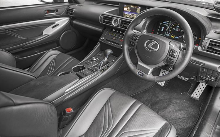 Lexus-RC-F-cockpit