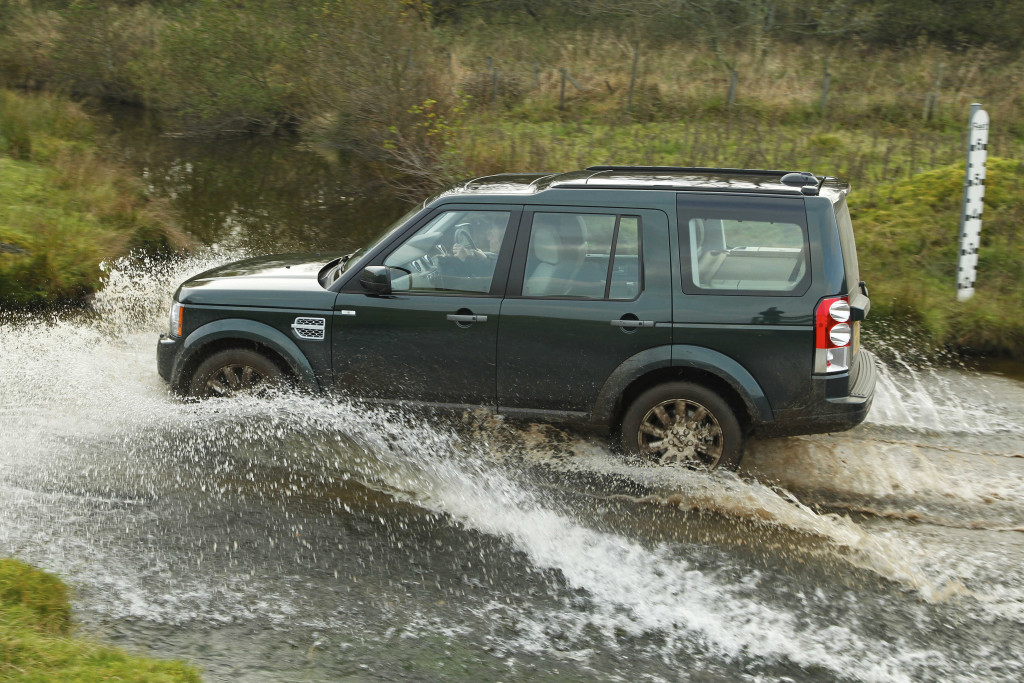 river crossing, land rover, discovery, land rover discovery, royal navy, wet wet wet pic2