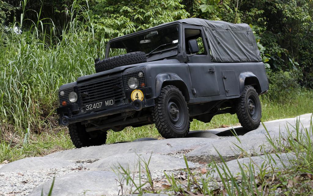 saf, land rover, saf land rover, series iii, defender 110, series iii defender 110, singapore armed forces pic3