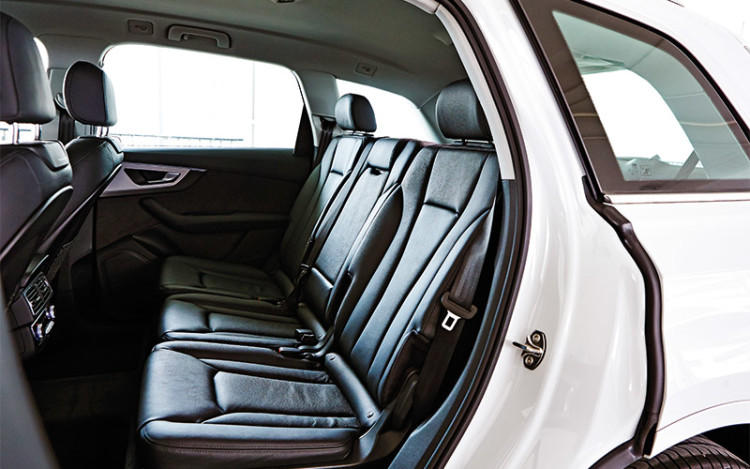 The Q7's backseat offers more legroom than the XC90's.