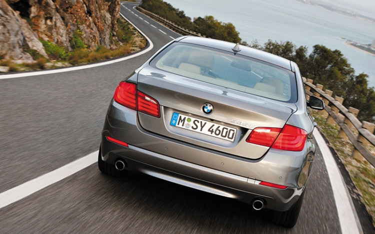 5-Series-rear-tracking