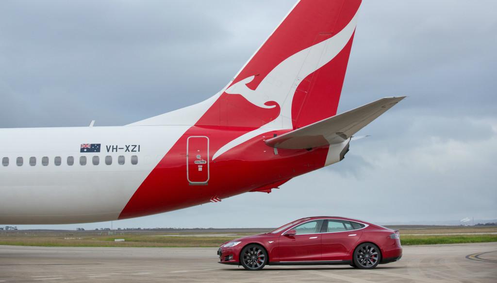 tesla, model s p90d, tesla model s p90d, boeing, 737, boeing 737, qantas, melbourne, australia pic3