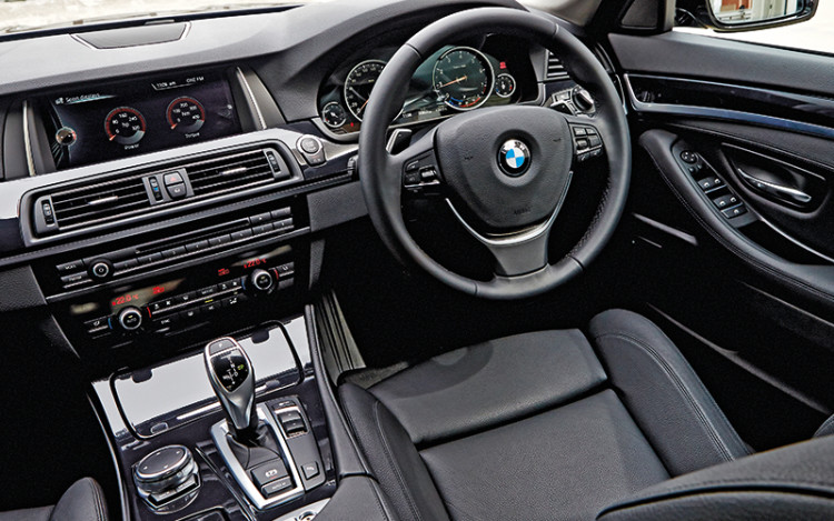 The 528i's greater spaciousness is better for longer drives.
