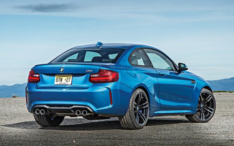 BMW-M2-rear-static