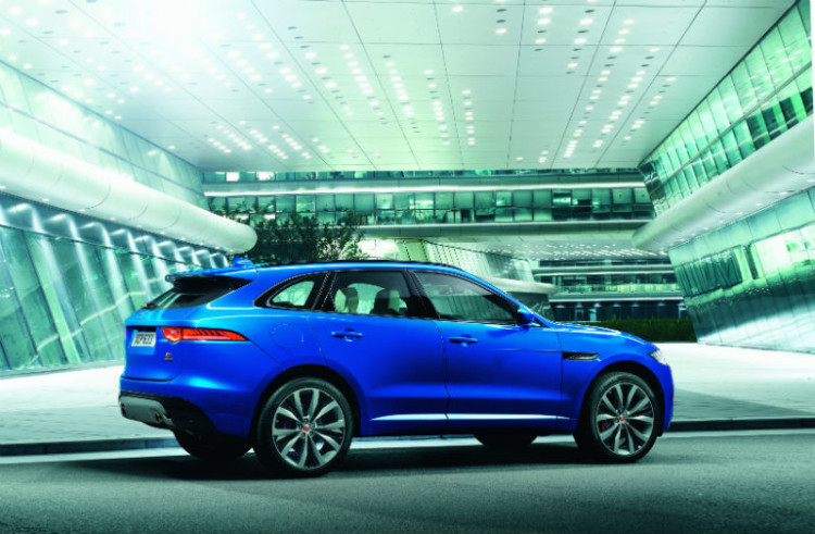F-Pace_rear