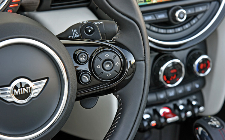 mini cooper s convertible cockpit detail