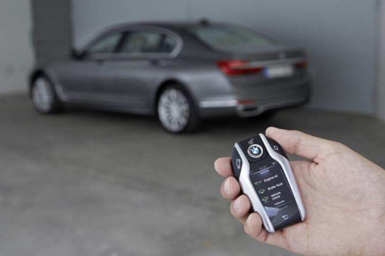 bmw 750li_remote parking