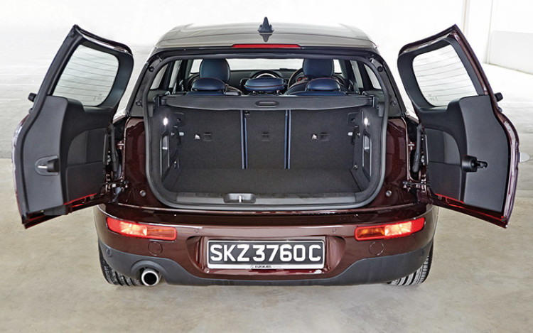 Current Clubman has retained the vertically split tailgate and replaced the old Clubdoor with a pair of proper rear doors.