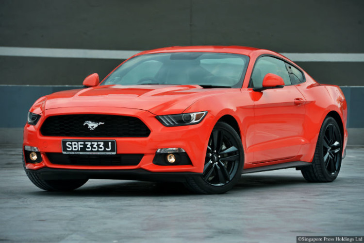ford mustang_front