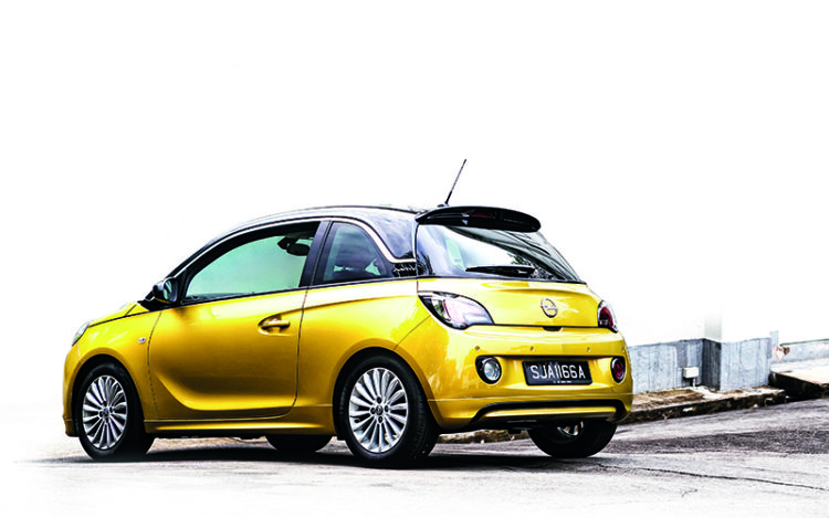 opel-adam-rear