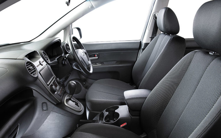 CARENS - Most car-like and most comfortable driving position, complete with motorised seat adjustment for the driver, the only car here so equipped. Visibility is excellent, thanks to well-sized windows.