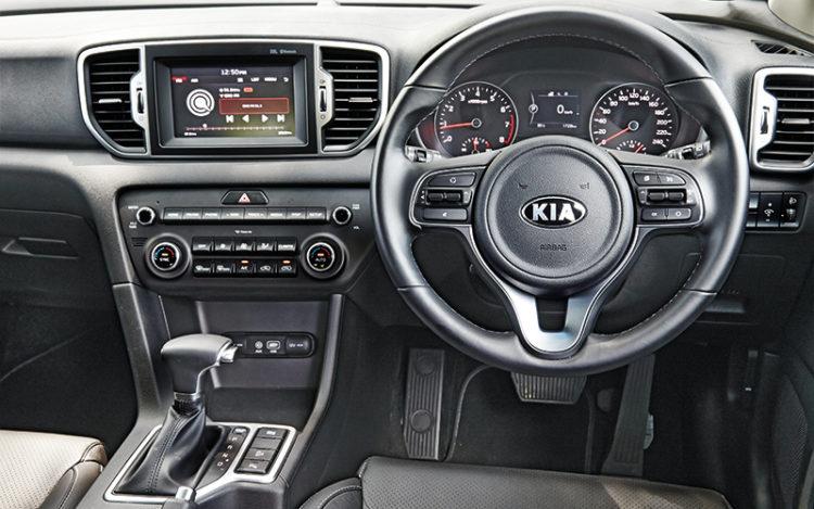 kia-sportage-cockpit