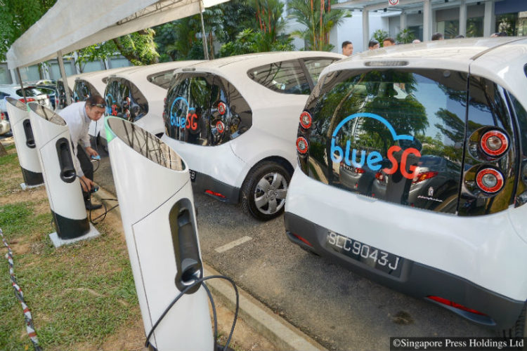 BlueSG Electric cars and charging points at LTA headquarters in Hampshire Road. Ang Mo Kio, Jurong East and Punggol will be among the first HDB towns to have a total of 50 EV stations and 250 charging points installed. The fleet is expected to grow to 1000 islandwide by 2020, with 2000 charging points in 500 locations.
