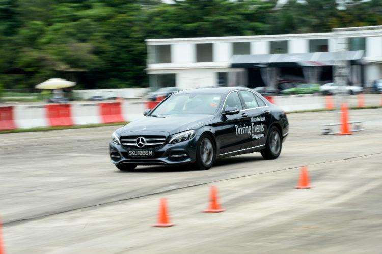 mercedes-benz-driving-events_3