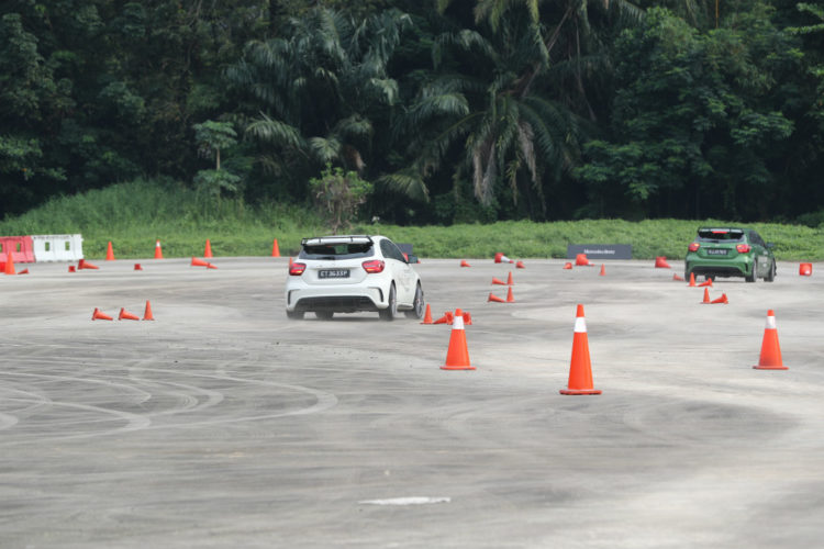 mercedes-benz-driving-events_4
