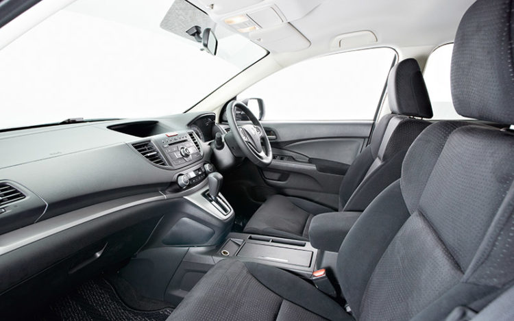 CR-V - Provides the best visibility and practicality with its optimum seating position and ample storage points (e.g. numerous cupholders), but is the only cockpit here lacking the convenience of keyless entry/ignition.
