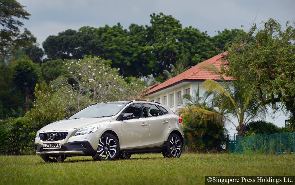 volvo v40 cross country t4 review torque. Black Bedroom Furniture Sets. Home Design Ideas