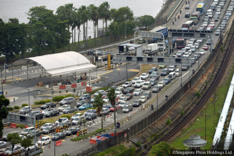 A long line of vehicles on the Causeway waiting to enter Singapore at 5.45pm on 23 January 2014.