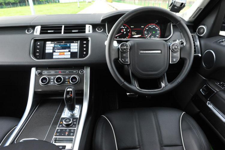 range-rover-sport-svr_cockpit