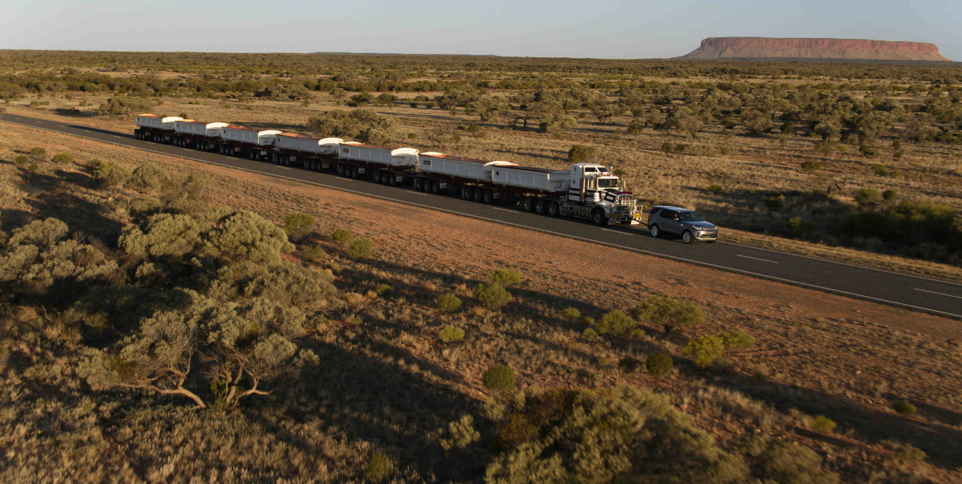 land rover discovery tows  tonne road train  australian outback torque