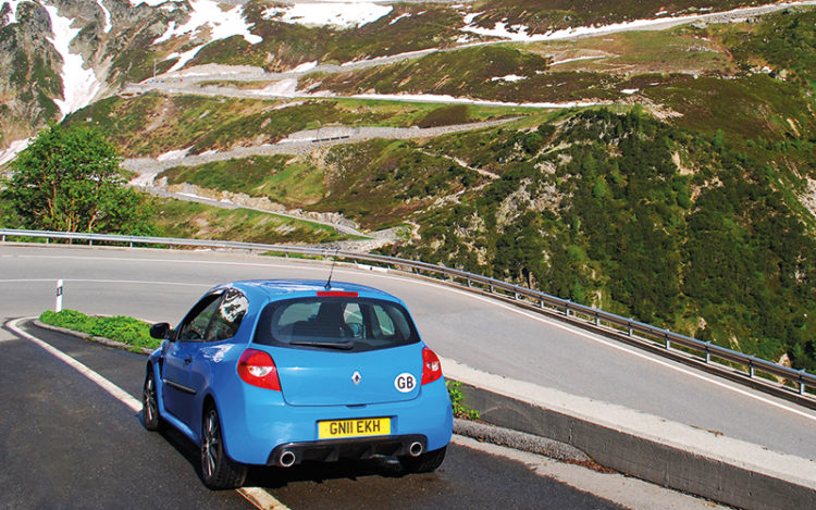 renault clio rs 200 furka pass