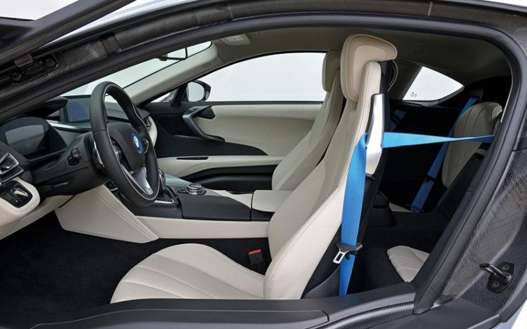 bmw-i8-backseat