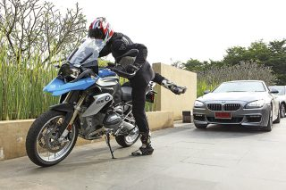 bmw-r1200-gs-and-bmw-640i-gran-coupe