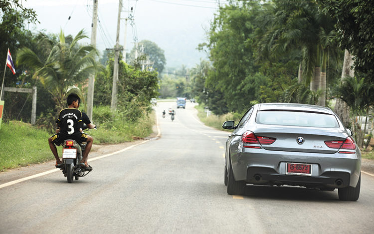 bmw-r1200-gs-and-bmw-640i-gran-coupe-rear