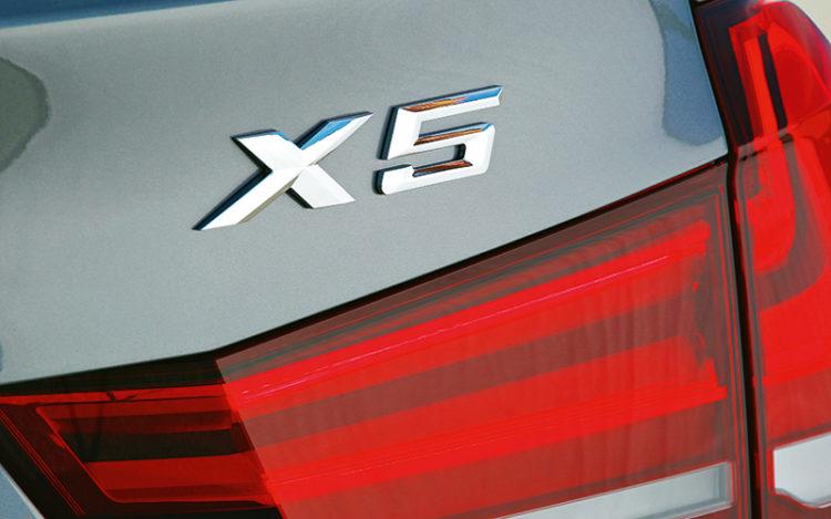 bmw-x5-badge1