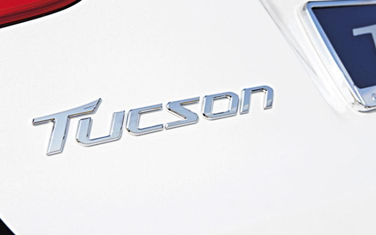 hyundai-tucson-badge