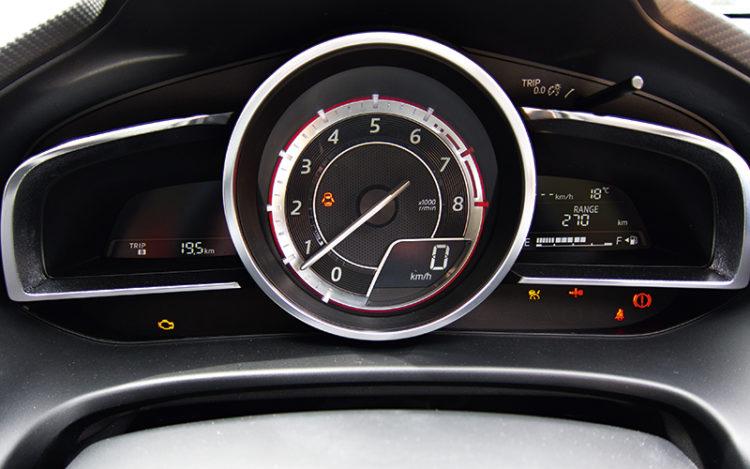 mazda-3-hatchback-meters