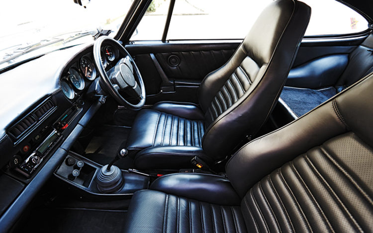 930 911 Turbo cockpit
