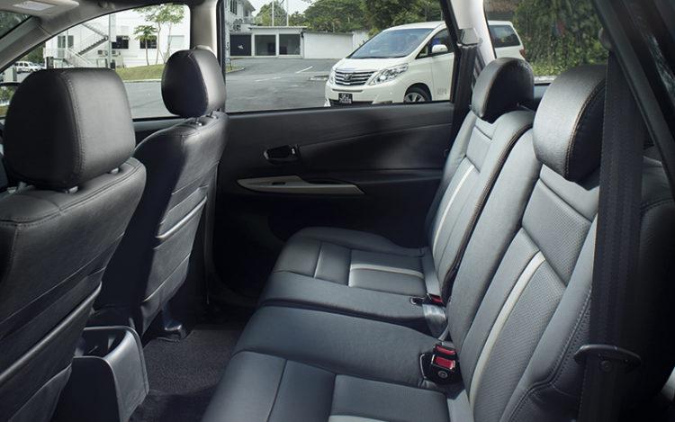 toyota-avanza-backseat