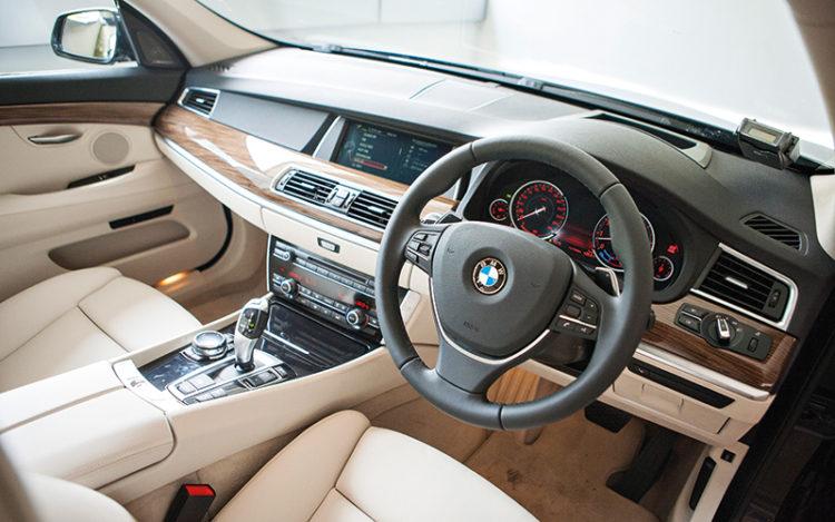 5-series-gt-interior