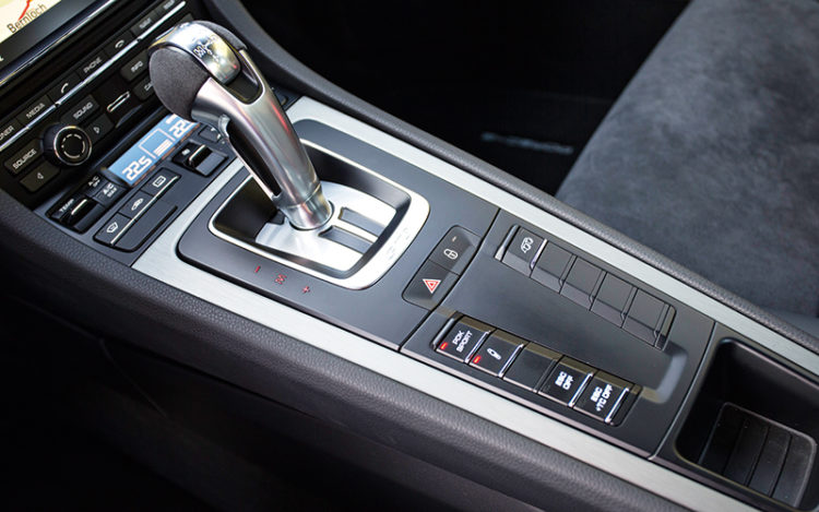 911-gt3-gearshift-lever