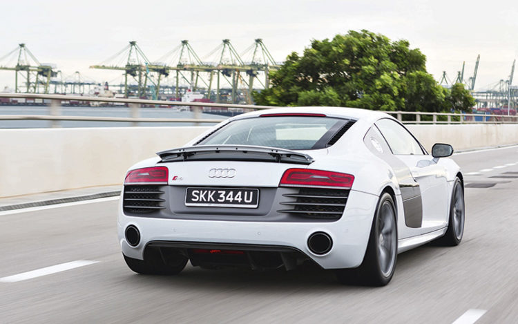 audi-r8-v10-plus-rear-tracking