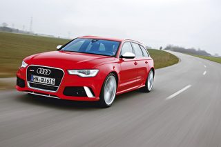 audi-rs6-avant-front-tracking