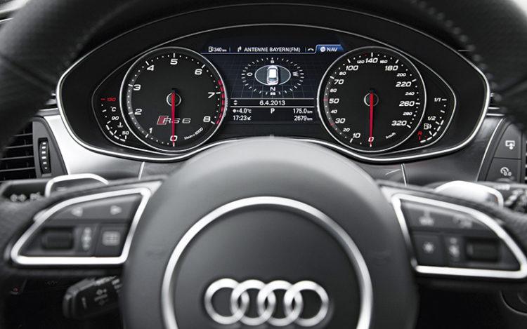 audi-rs6-avant-gauges