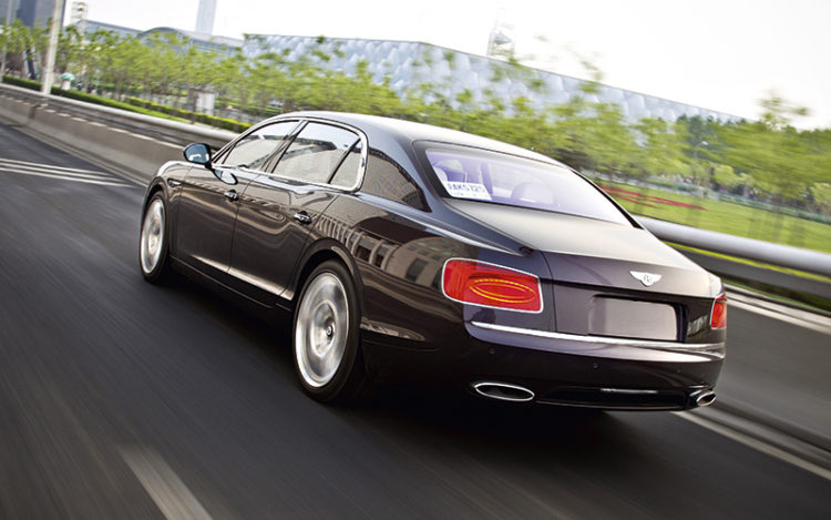 bentley-flying-spur-rear-tracking