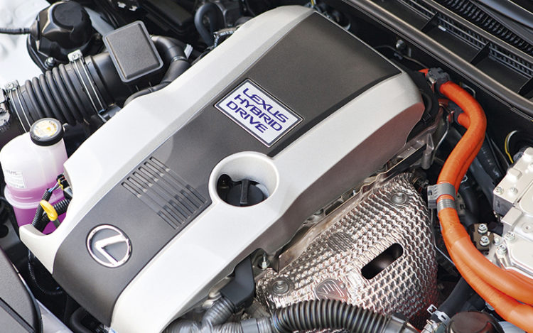 lexus-is300h-engine
