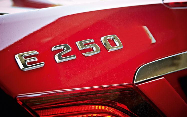 mercedes-benz-e250-cabrio-badge