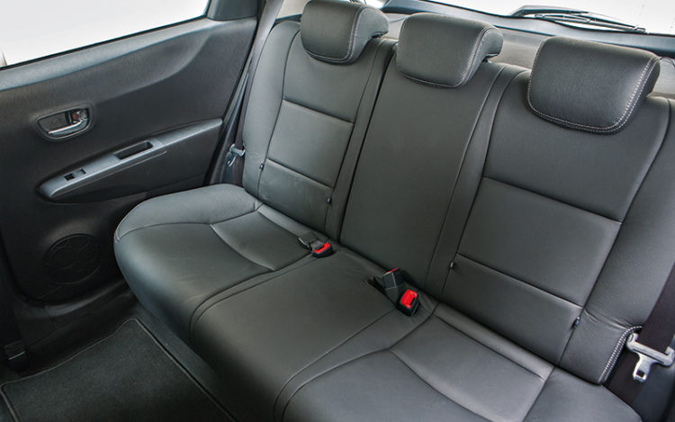 toyota-yaris-backseat