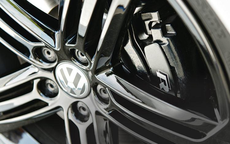 volkswagen-golf-r-cabriolet-wheel